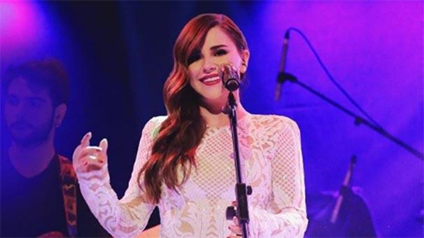 Ünlü şarkıcı Merve Özbey'in yeni imajı şoke etti
