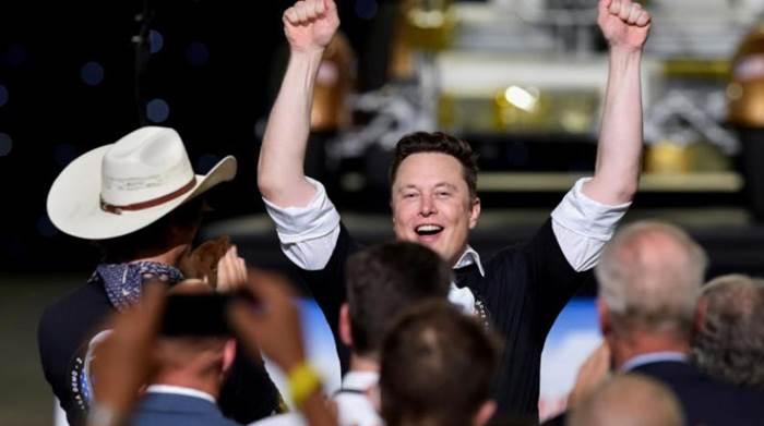 Elon Musk, dünyanın en zengin yedinci kişisi oldu