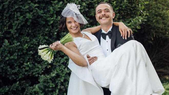 Oyuncu Selen Seyven sessiz sedasız evlendi