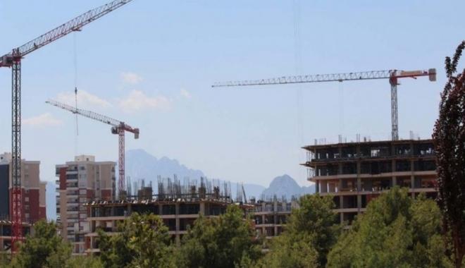 Antalya'da millet bahçesi olacak alana rezidans yapıyorlar