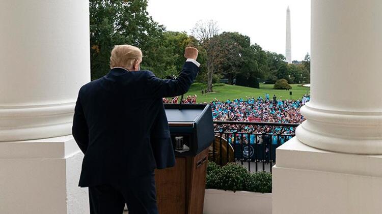 Trump koronaya rağmen durmuyor! Bir araya geldi
