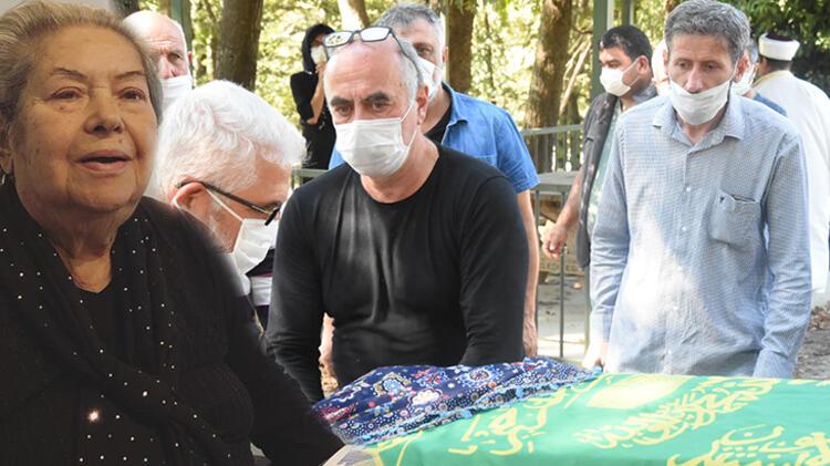 Yönetmen Ezel Akay'ın annesi hayatını kaybetti