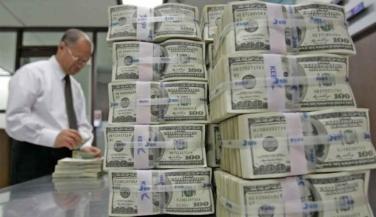 Piyasalara 76.5 milyar dolar aktı, Türkiye'ye 1.5 milyar dolar düştü