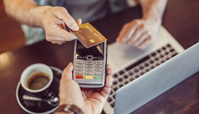 2020'de kartla yapılan harcamalar ilk kez 1 trilyon lirayı geçti