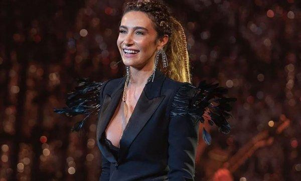Şarkıcı Sıla ve Hazer Amani boşandı!
