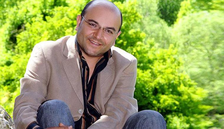 """Türk Halk Müziği'nin """"Kıvırcık"""" sesi Kıvırcık Ali vefatının 10. yılında da unutulmadı"""