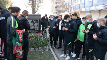Diyarbakırlılar, Şehit Emniyet Müdürü Ali Gaffar Okkan ve 5 arkadaşını unutmadı