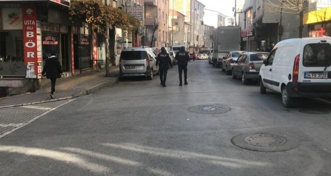 Esenyurt'ta kısıtlama günü ilginç olay, polisten böyle kaçmaya çalıştı