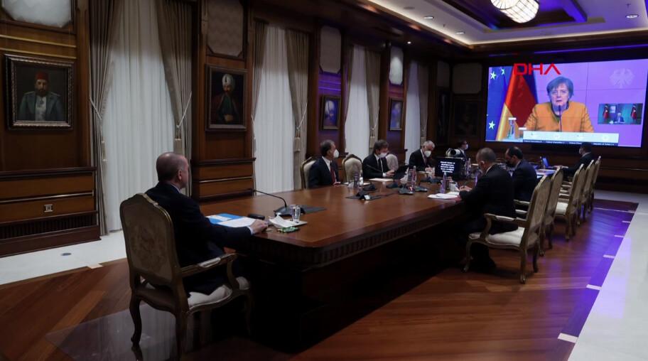 cumhurbaskani erdogan merkel ile gorustu 0 - Cumhurbaşkanı Erdoğan, Merkel ile görüştü