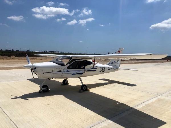 egitim ucagi yapimi suren havalimanina acil inis yapti 0 - Eğitim uçağı, yapımı süren havalimanına acil iniş yaptı
