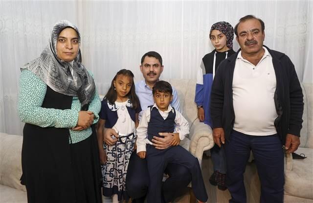 cumhurbaskani erdogan elazigli depremzede aileyle telefonda gorustu 0 - Cumhurbaşkanı Erdoğan, Elazığlı depremzede aileyle telefonda görüştü